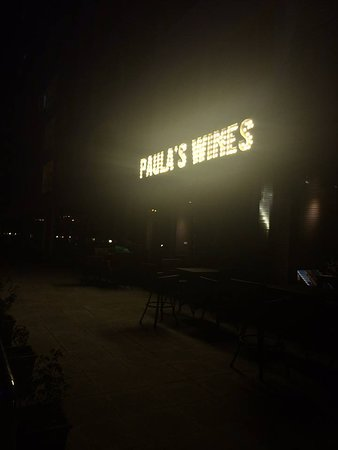 Paula's Wines: Paula's Wines in the evening
