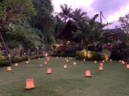 Swept Away at The Samaya Ubud: diner aux cent bougies