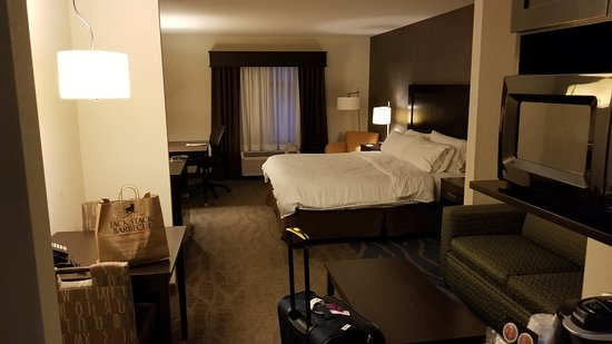 Room 409  Included coffee table, dinette table, couch with