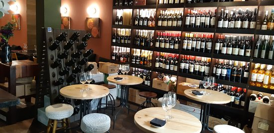 Choose your favourite wine and have it with the best 'tapa' selection