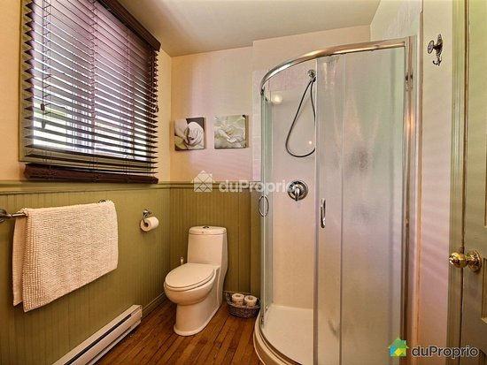 Notre Dame des Bois, Canada: Salle de bain privée de la suite Verrière