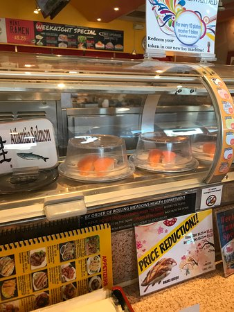 Rolling Meadows, IL: Sushi on conveyor belt.