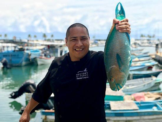 Punta de Mita, Mexico: Chef Hector holding a parrot fish
