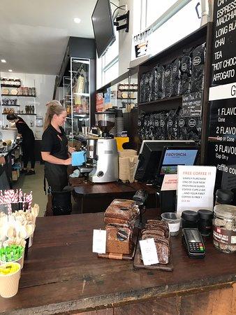 Provincia Food Store