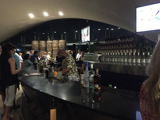Catano, Puerto Rico: Bar in the paviolion
