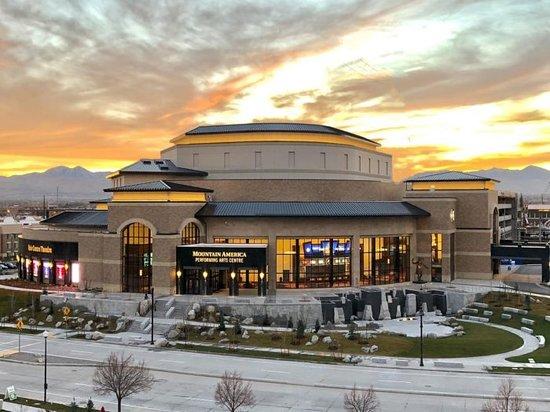 Hale Center Theatre
