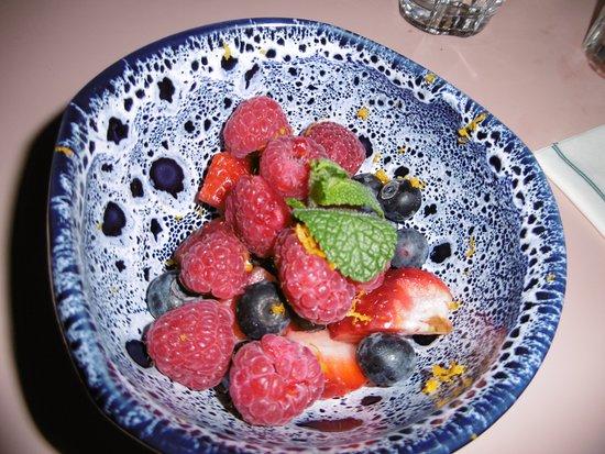 Windsor and Maidenhead, UK: fruit bowl