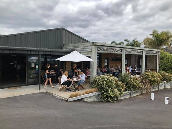 Cooks Beach, New Zealand: The Restaurant and Terrace