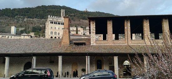 Gubbio, Taliansko: Building exterior