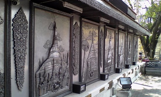 Sutthichitto Art Gallery in Wat Muen San