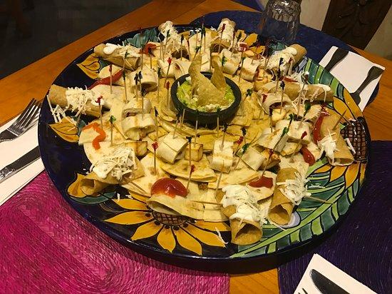 Frida's Mexican Restaurant : Bandeja Picadera.