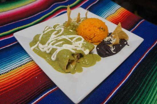 Frida's Mexican Restaurant : Flautas al Aguacate.