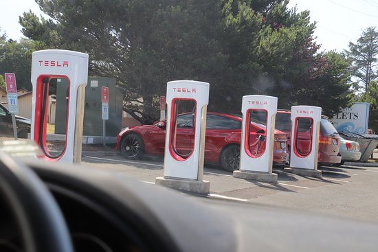 Lincoln City Outlets: Tesla energy for those who have a Tesla