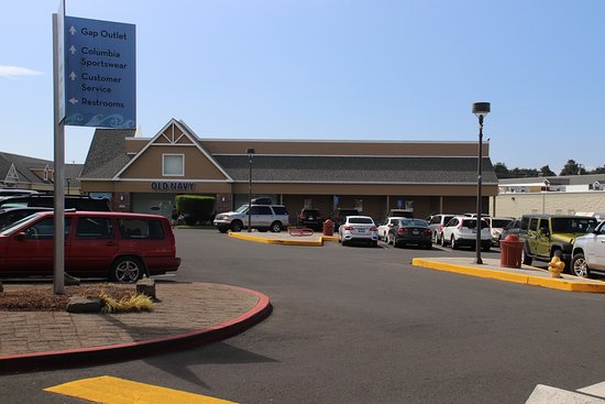 Lincoln City Outlets: It is hard to find a parking place