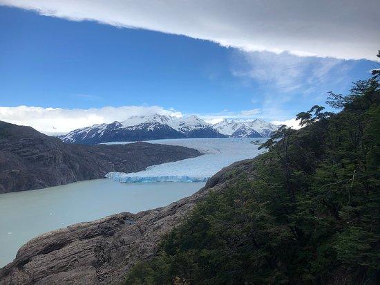 W-Trail: Mirador Glacier Grey