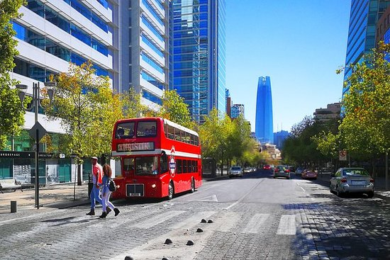 Hop-on-Hop-off-Tour durch Santiago