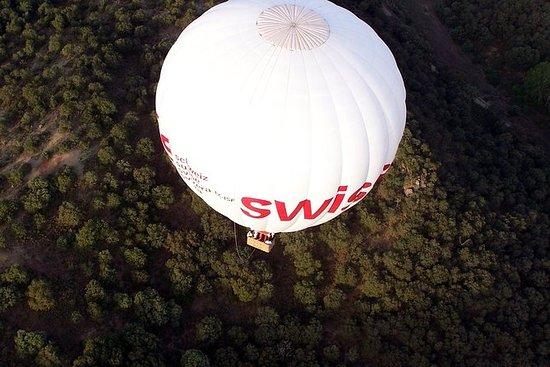 Paseo en globo aerostático sobre...