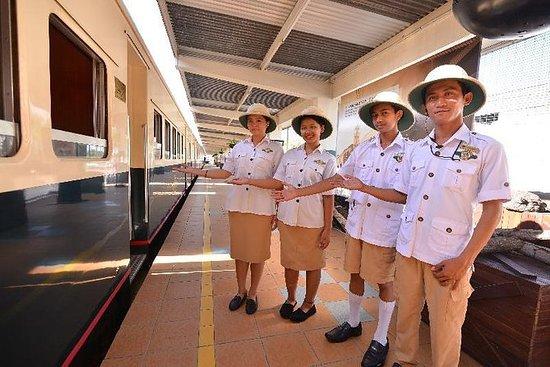 コタキナバルから北ボルネオ鉄道の蒸気機関車に乗る半日旅行