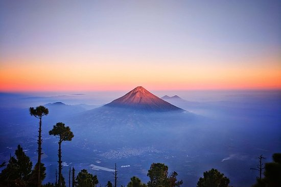 Acatenango Volcano Tour