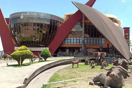 24 heures d'Arusha - musée d'Arusha...