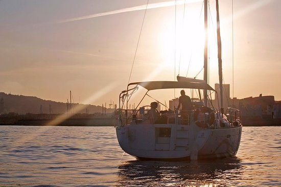 Costa Brava Sunset Sailing Experience