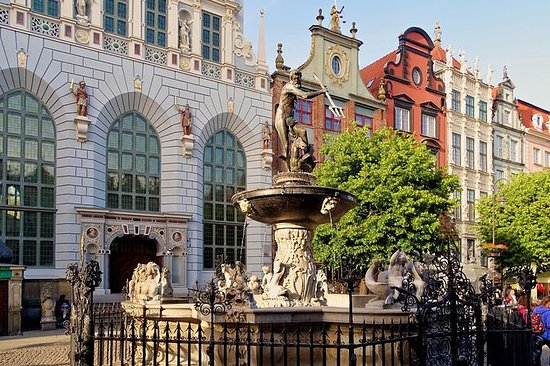 Gdansk: 2-Hour Old Town Walking Tour...