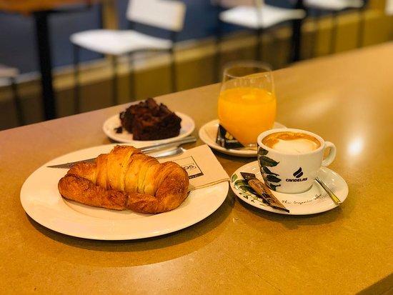 El mejor café de la zona! La referencia en desayunos.