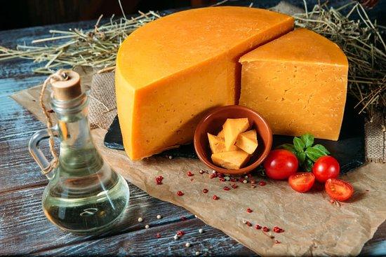 Poryadniy Gazda: Мартін шойт - один за найпопулярніших сирів власного виробництва які до речі можна замовити тут: https://www.poryadniygazda.com/
