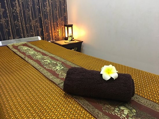Thai Blossom Massage