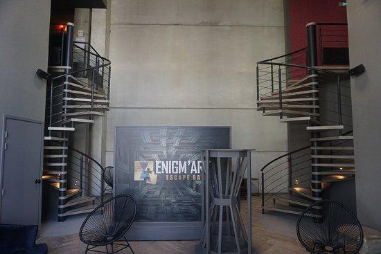 Mougins, France : 5 salles, 4 univers foisonnant de détails à découvrir, Enigm'art vous accueille 7 jours sur 7, de 10h à minuit