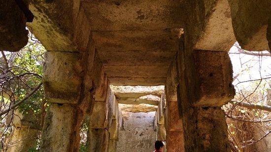 Scordia, Italie: Parco Grotta del Drago - Torrente Cava