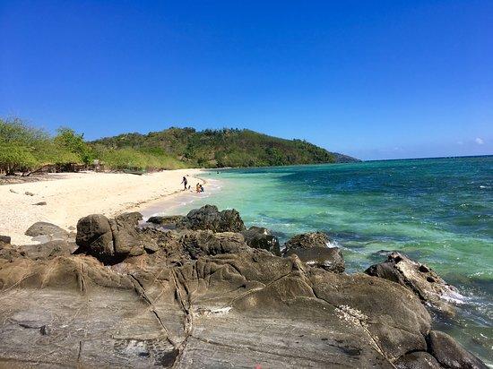 Buktot White Beach