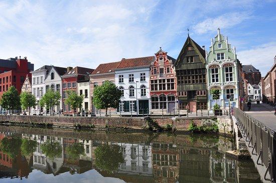 بلجيكا: Una de las ciudades más atractivas y desconocidas de Flandes es Malinas. Con su bonito casco antiguo, canales, cervecerías y beaterios es un lugar que merece la pena incluir en cualquier ruta por tierras flamencas.