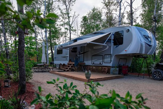 Grand Marais, Καναδάς: Seasonal Campers - We encourage you to make your campsite beautiful so you can come stay, relax and enjoy your home away from home during the summer months!!