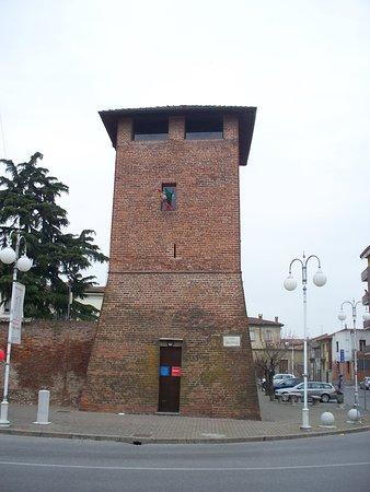Mura spagnole e Torre della Girona