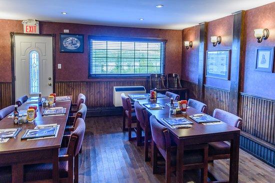 Port Hawkesbury, Canada: Restaurant and Lounge.