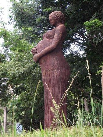 Monumento a Mae e ao Bebe