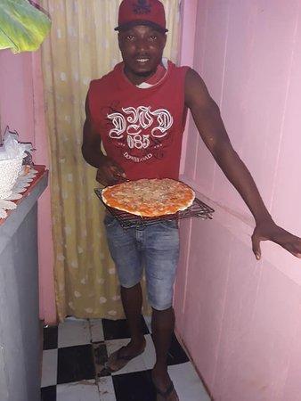 Santo Antonio, Sao Tome and Principe: tambem servimos pizza na gelha uma criatividade unica