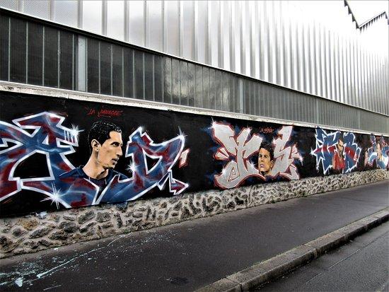 """Fresque """"En hommage aux joueurs du PSG"""""""