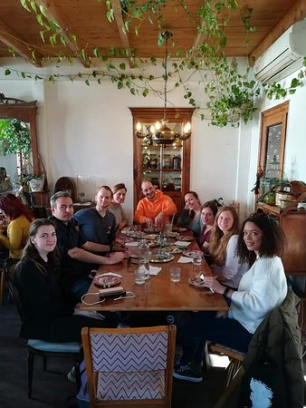 Nikos' Free Walking Tour in Athens: Sharing a meal afterwards