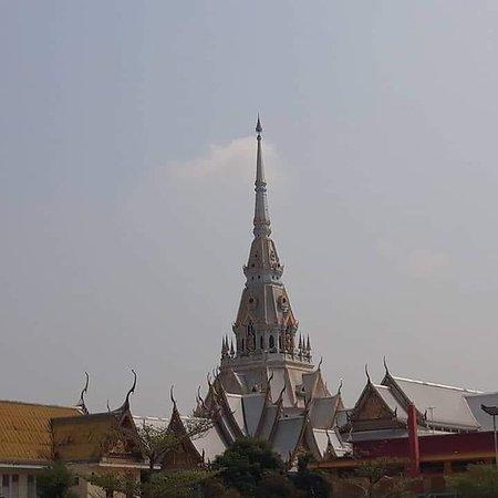 Chachoengsao, Thaïlande : วันเดย์ทริป รับลูกค้าไปไหว้พระที่วัดหลวงพ่อโสธรจังหวัดฉะเชิงเทรา ทีมงานแท็กซี่ไทยแคร์ยินดีให้บริการค่ะ One Day Trip, accepting customers to