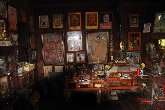 Damnoen Saduak, Thailand: Family's home
