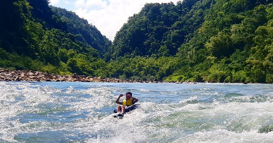 www.rivertubingfiji.com  #rivertubingfiji #navuariver