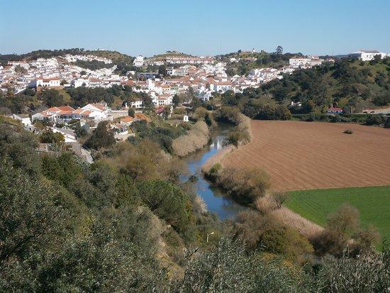 Ponte sobre o Rio Mira