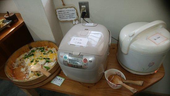 今日のご飯 三種類(白米・炊き込み・ちらし寿司)