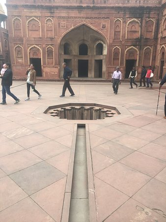Exotic and unique drainage system at Agra Fort...water was celebrated here.