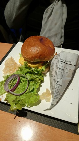 Conches-en-Ouche, France: Le burger