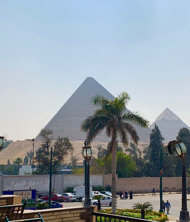 Awesome pyramids but visit marred by annoying hawkers