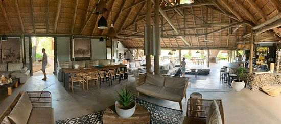 Safari in luxury tents and lodges