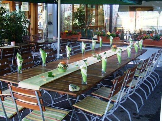 Muehlhausen im Taele, גרמניה: wunderschöne Terrasse für laue Sommerabende